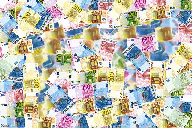 Hur mycket pengar finns det i världen?